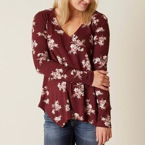 Daytrip by Buckle floral top